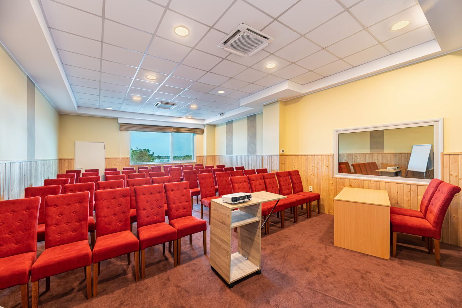 pegasus conference room 06