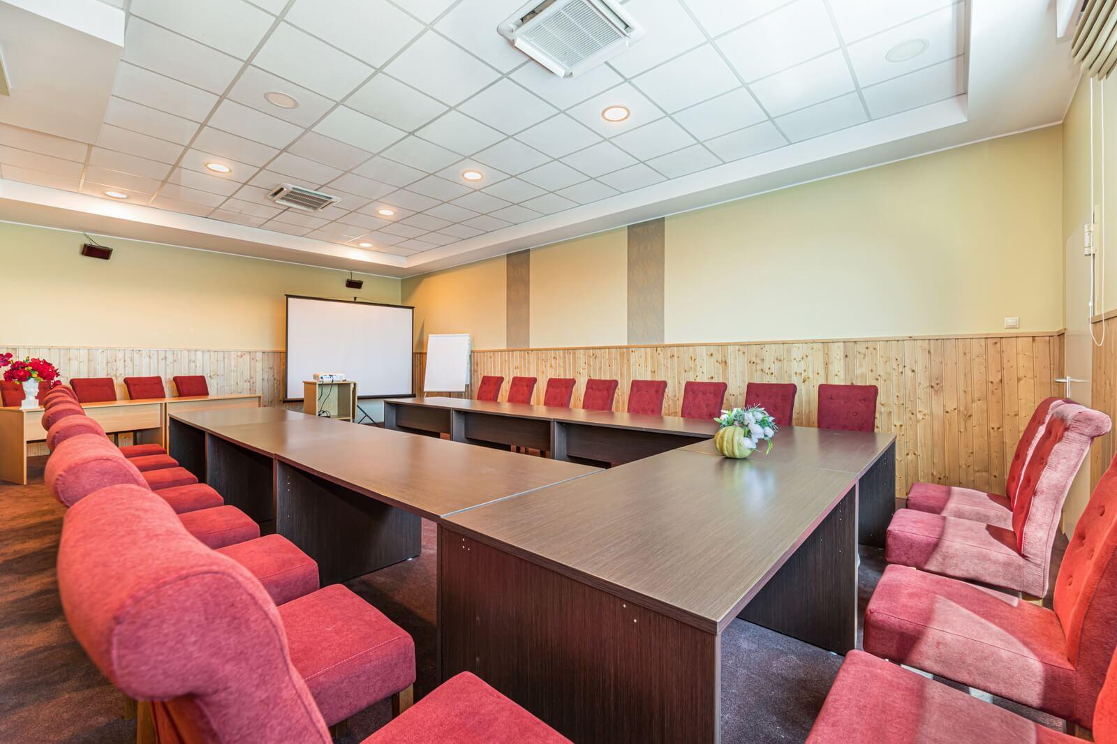 pegasus conference room 08