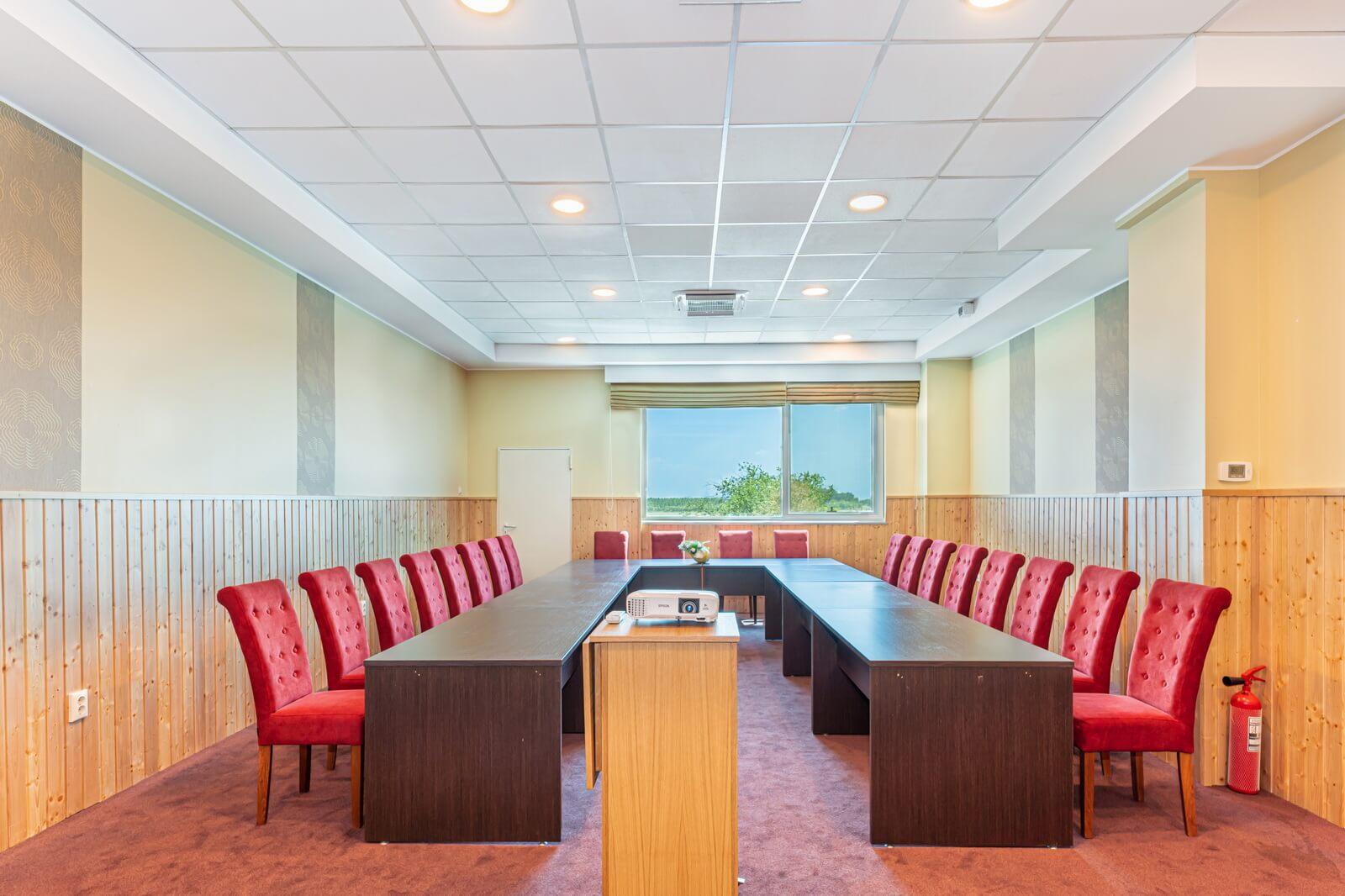 pegasus conference room 09