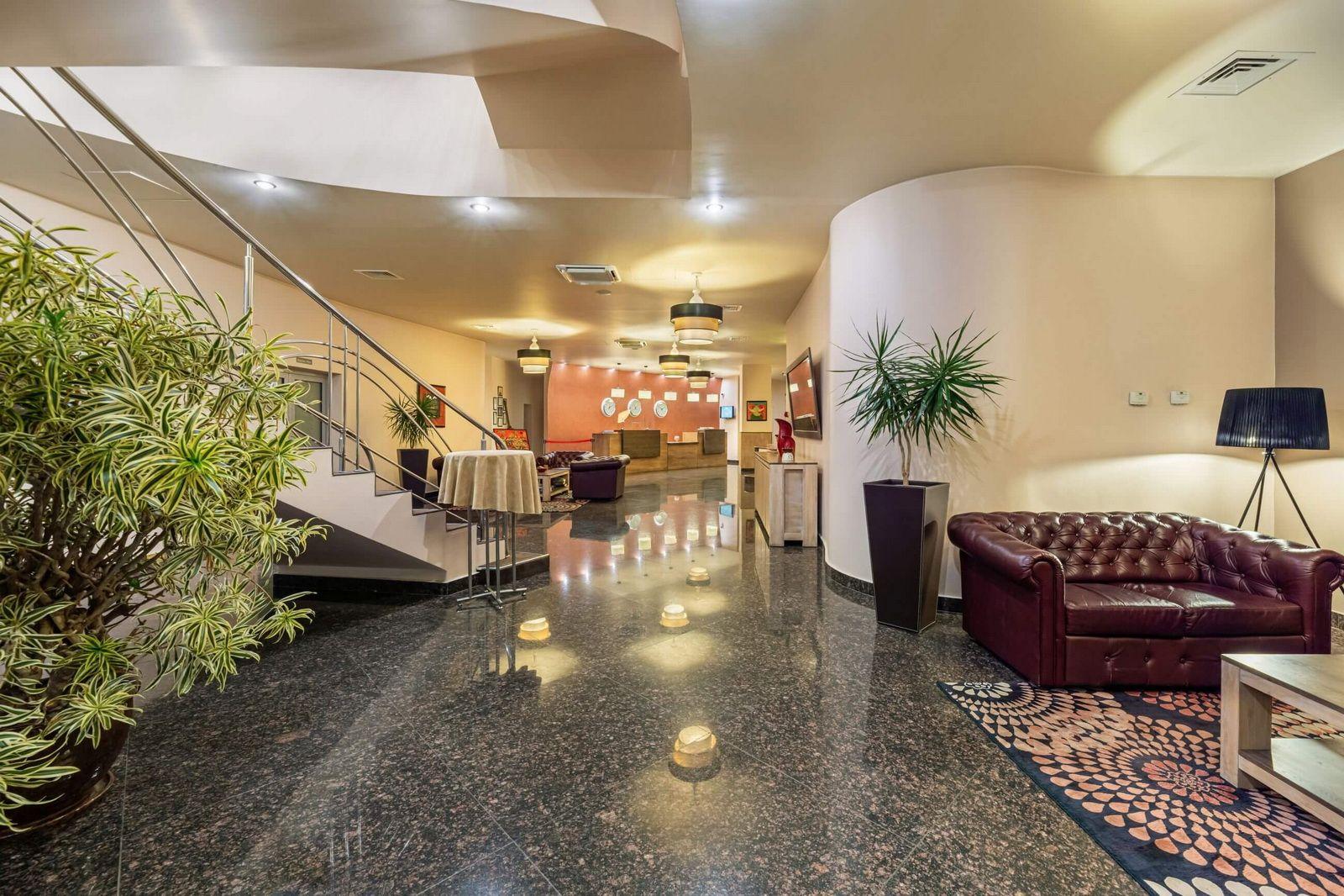 vega hotel 4