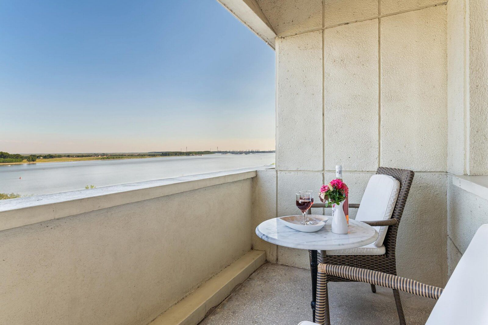 faleza double standard danube view and balcony 07