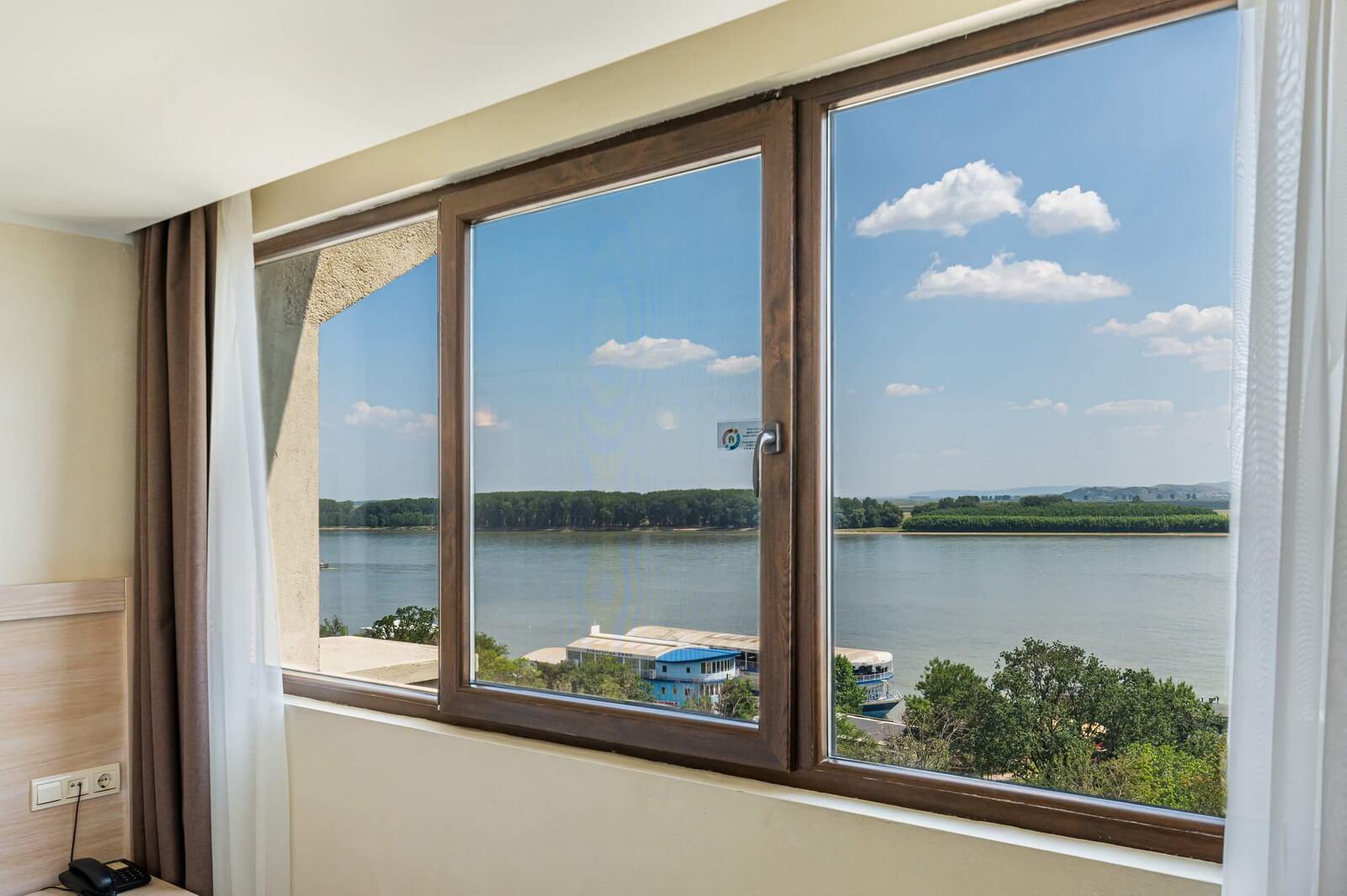 faleza superior suite danube view 9