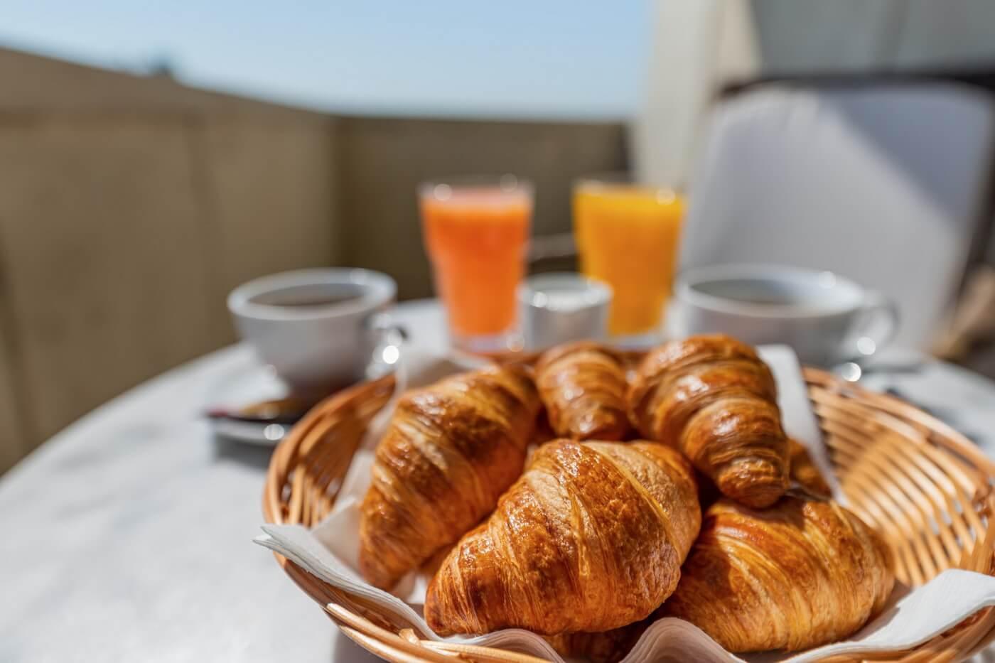 mic dejun dunare 27
